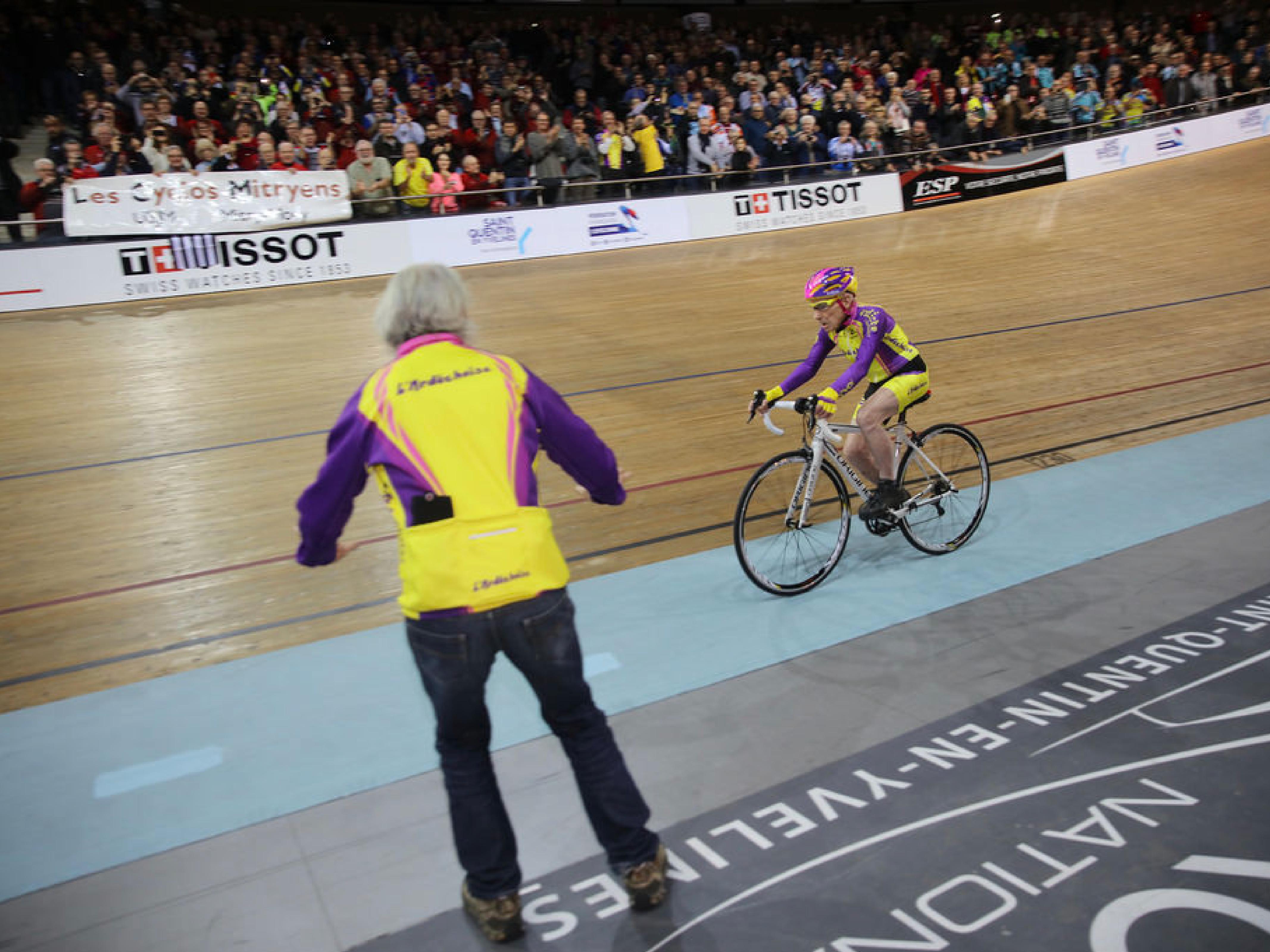 Le cycliste français Robert Marchand fête ses 106 ans
